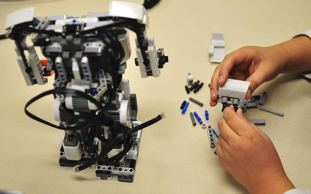Why robotics is a great activity for students