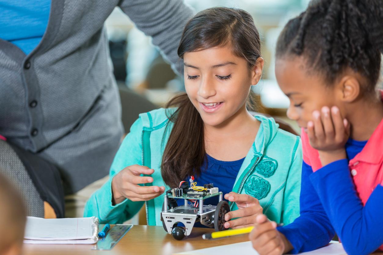 three ways to start robotics girls in robotics