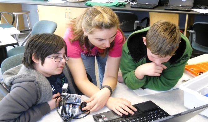 teaching homeschool robotics class