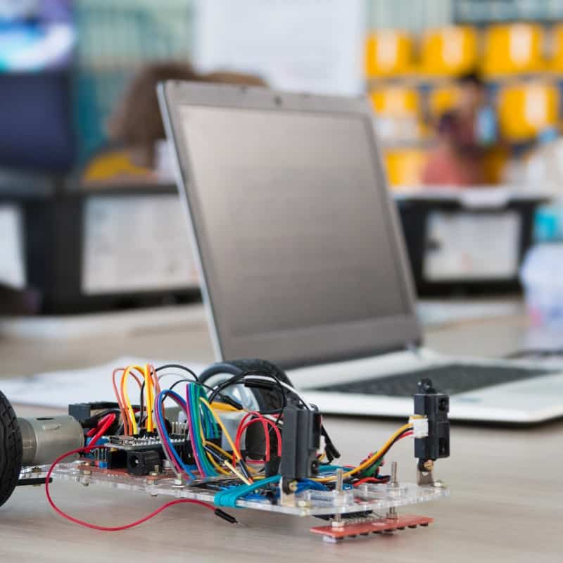 Online Robotics Coaching and Support