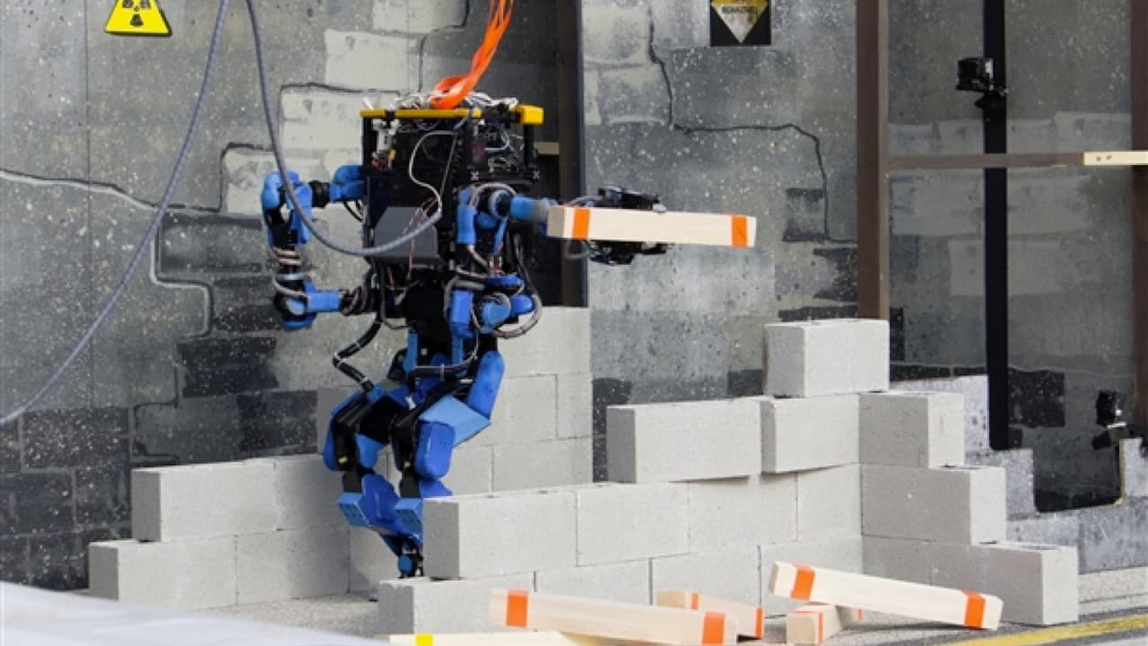 Learn Robotics Online with These 9 Websites