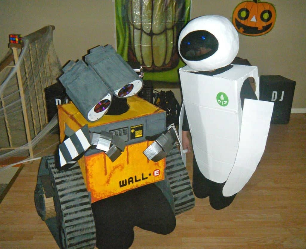 WALL-E and Eve costumes for Halloween