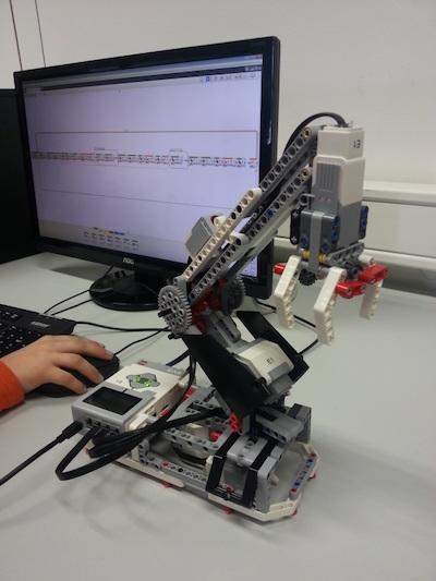 robotics club with lego mindstorms