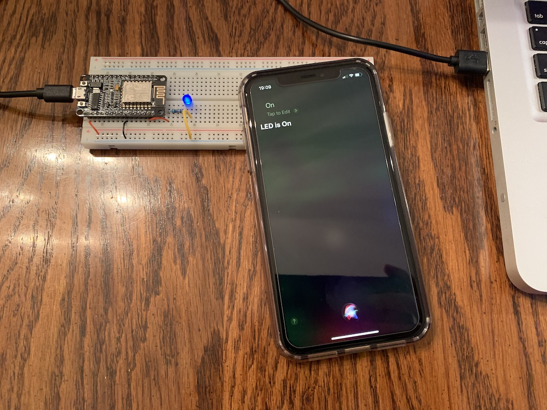 How to use Siri with Arduino