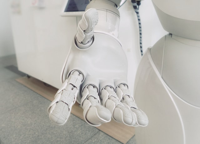 using robots to manipulate deformable objects model robot hand